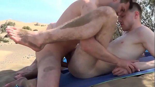 Melhores pornos gay tarados transando na beira da praia