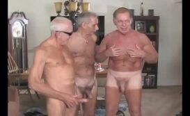 Porno gay com velhos safados fazendo sexo gostoso