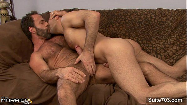 Sexo gay bom safadinho ganhando pica no seu cu