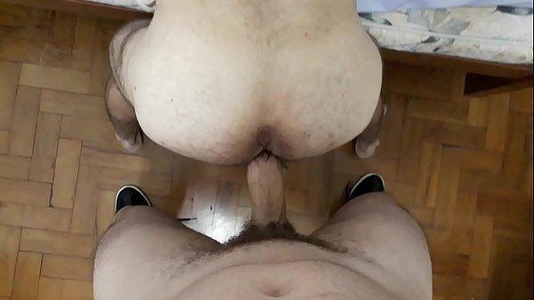 Traçando todo o cu de um boy passivo