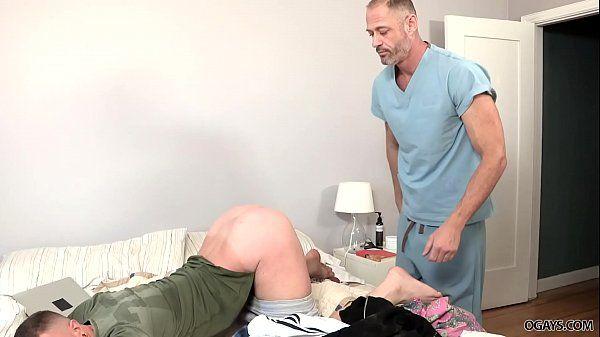 Videos de sexo passivo empinando a bundinha e ganhando pau