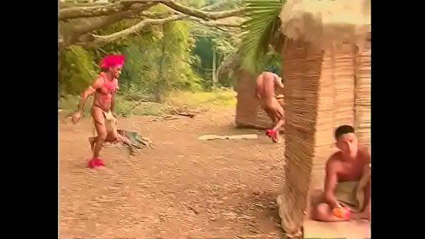 Gay brasileiro porno chupando e dando para o índio