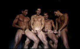 Orgia gostosa com boys nus metendo super gostoso
