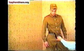 Sexo antigo com soldados gays fodendo gostoso