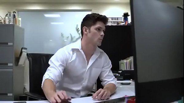 Sexo video com safado mamando e dando o cu