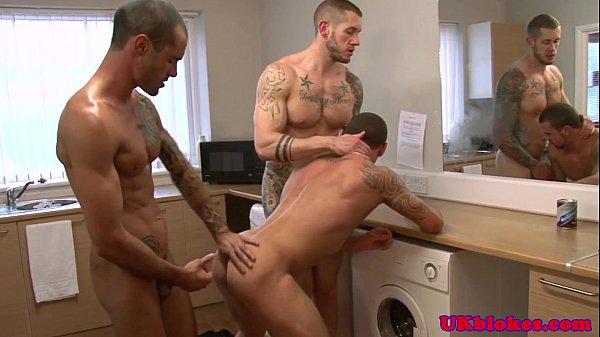 Porno gay filme passivo fodendo com dois caras