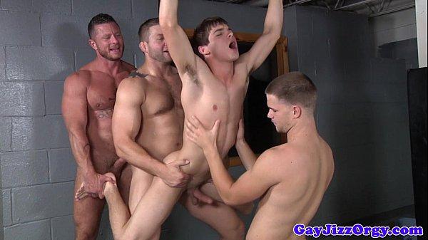 Sexo orgia gay machos na meteção gostosa