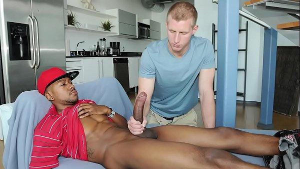 Gay picao grande traçando o branquelo pelado