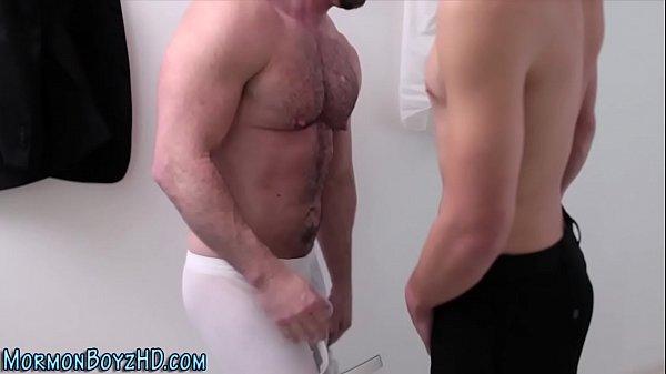 Homem pelado porno fodendo pelado