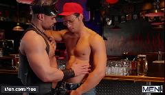 Jovens cacetudos em compilado de transa gay