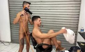 Melhor mamada gay na barbearia