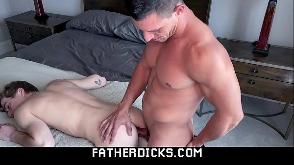 Picao gay fodendo o novinho passivo