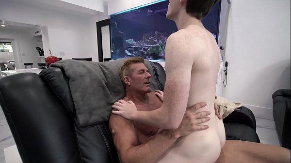 Porra no cu gay safadinho