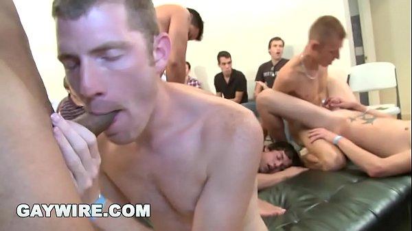 Orgia gay tumblr dos machos safados metendo para caralho