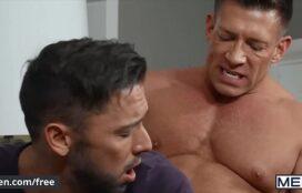 Sexo gay pica grande do dotado comendo o gostoso